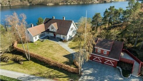 KOSTBART: Strandeiendommene i Grimstad har en totalpris på omkring 70 millioner kroner. Foto: Kurt Engen / Inviso