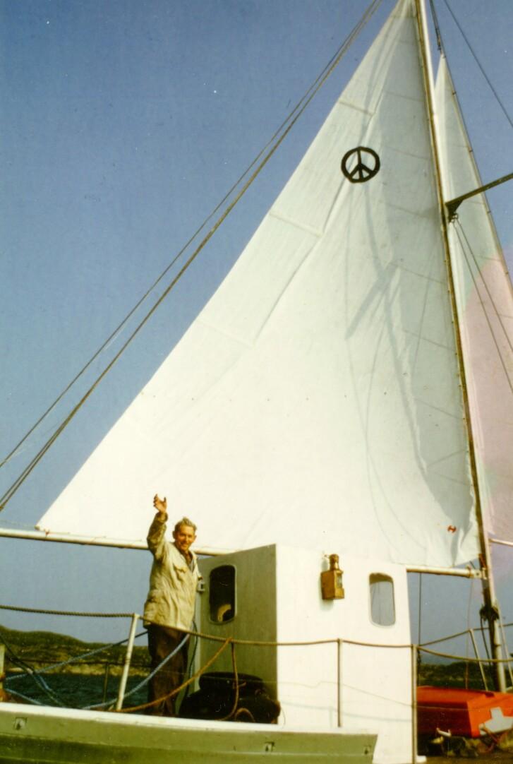 Anders J. Smedsvik (86), ved avreise fra Karmøy i 1972. Foto: Privat