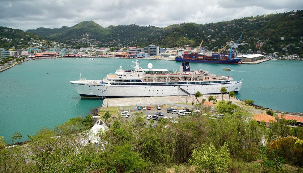 SKIP: Her har cruiseskipet ligget siden tirsdag. Foto: NTB Scanpix
