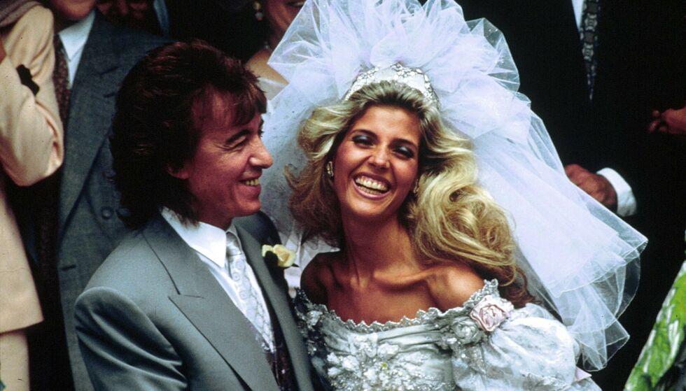 OMSTRIDT: Ekteskapet til Bill Wyman og Mandy Smith fikk enorm mediedekning, spesielt etter at offentligheten ble gjort kjent med forhistorien deres. Nå forteller førstnevnte at giftermålet aldri skulle funnet sted. Foto: NTB Scanpix