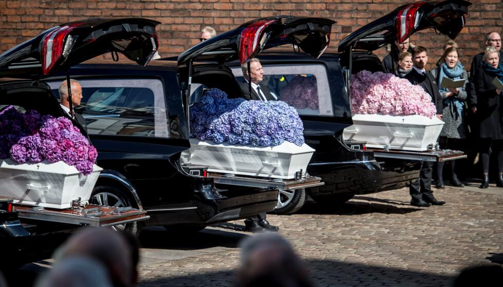BLE BISATT: Anders Holch Povlsen og kona Anne gravla barna sine lørdag. Foto: Ritzau / Reuters / NTB Scanpix