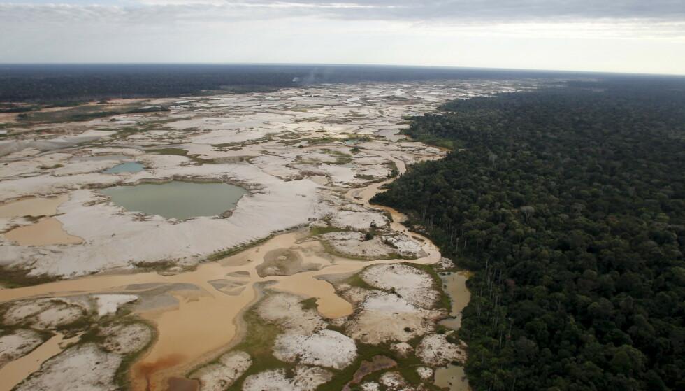 AVSKOGING: Regnskog ødelagt av illegal gullmine-virksomhet i Amazonas. Foto: Reuters / NTB Scanpix