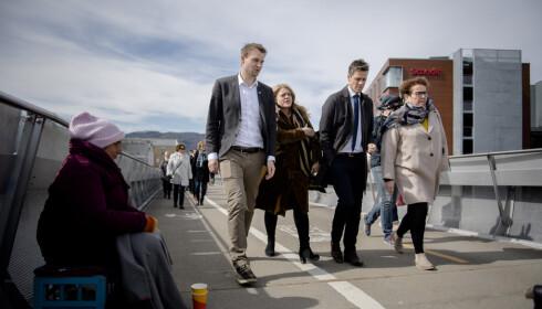 I BLÅSTEN: Hilde Frafjord Johnsen har stått midt i stormen i KrF det siste året. Her sammen med Ropstad, Hareide og Bollestad i Trondheim. Foto: OLE MARTIN WOLD / NTB scanpix