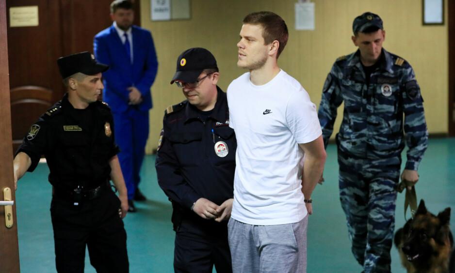 STRAFFET: Pavel Mamajev og Alexander Kokorin ble onsdag dømt for vold i fjor høst. Foto: REUTERS / Tatyana Makeyeva / NTB Scanpix
