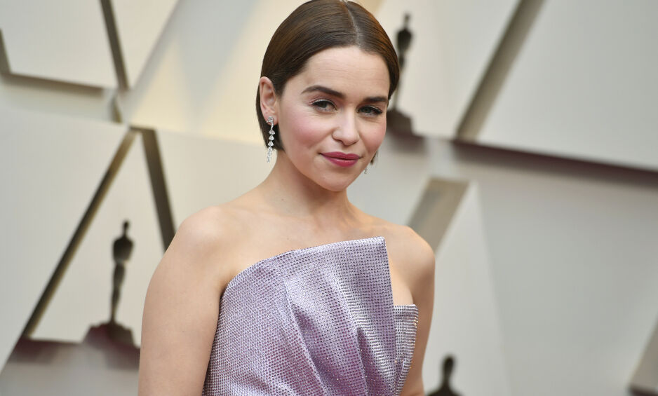 KREVENDE SITUASJON: Skuespiller Emilia Clarke forteller om et ødelagt selvbilde etter to omfattende operasjoner. Foto: NTB Scanpix