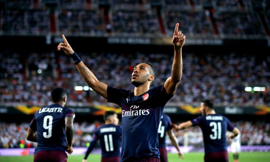 TIL FINALE: Arsenals Pierre-Emerick Aubameyang feirer en scoring på Mestalla. Foto: NTB Scanpix