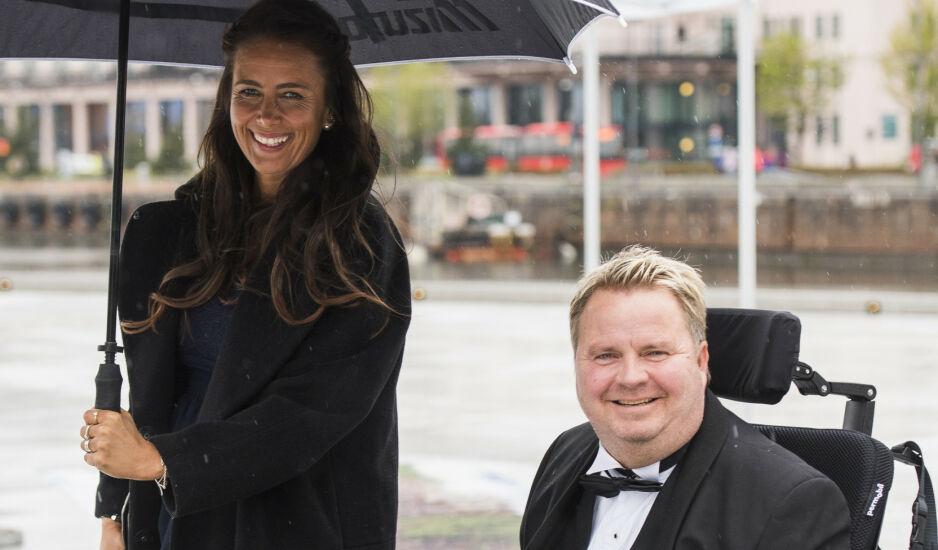 VIKTIG STØTTESPILLER: I et nytt intervju forteller Mona og Dagfinn Enerly om livet sammen og hvor mye de betyr for hverandre. Foto: NTB Scanpix