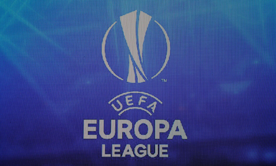 FÅR KRITIKK: UEFA får kritikk etter å ha tildelt få billetter til Arsenal- og Chelsea-supporterne. Foto: REUTERS / Eric Gaillard / File Photo / NTB Scanpix