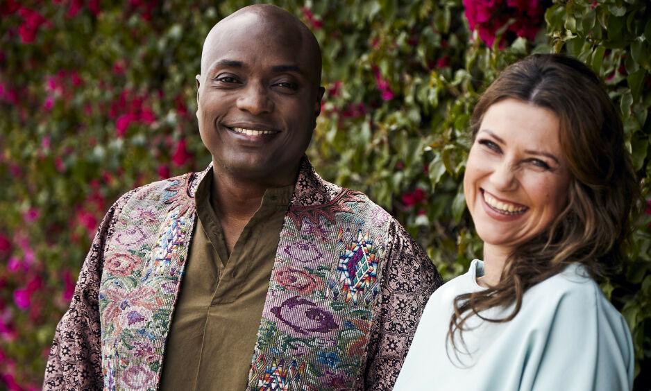I DANMARK: Prinsesse Märtha Louise (47) og kjæresten, «sjamanen» Durek Verrett (44) er denne helgen på plass i Danmark. Der har de blant annet deltatt i bryllup. Foto: NTB Scanpix