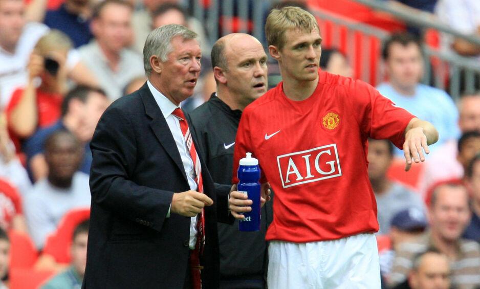 AKTUELL: Darren Fletcher (t.h.) kan være på vei tilbake til Manchester United. Her sammen med klubbens legendariske manager Sir Alex Ferguson. I bakgrunnen står Ole Gunnar Solskjærs assistentmanager, Mike Phelan. Foto: NTB scanpix.