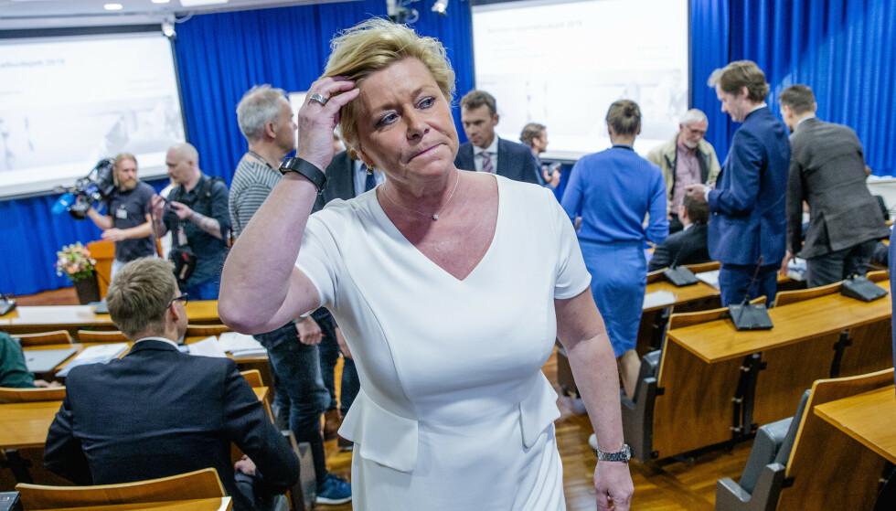 ØKER: SIv Jensen la i dag fram revidert budsjett. Oljepengebruken øker. Foto: NTB Scanpix