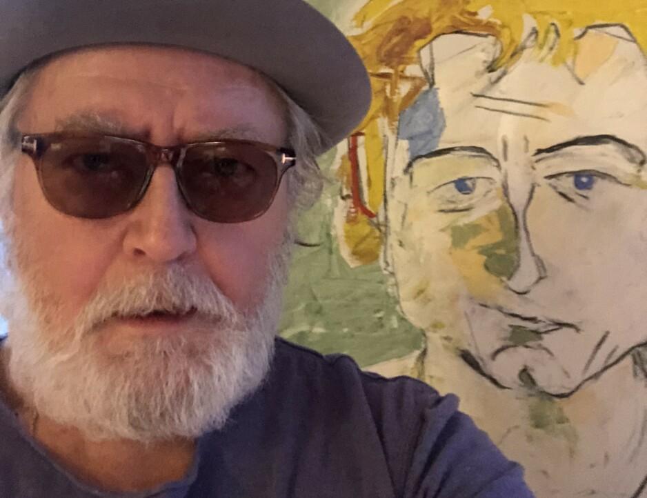 PORTRETT MED PORTRETT: Forfatter, maler og artist Ulf Lundell (69) gir ut sitt første album med band på seks år - og innfrir alle forventninger du måtte ha. Bildet i bakgrunnen er malt av Stig Slas Claesson i 1982.
