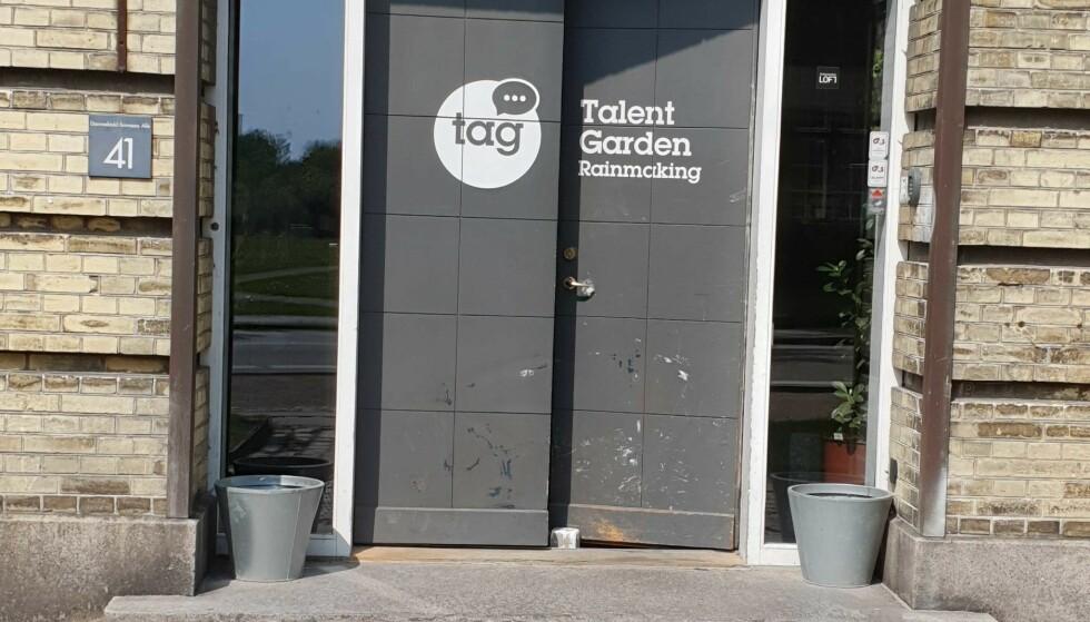 WORKSHOP: Bak denne døra skal Märtha og Durek Verrett holde workshop på sin mye omtalte turné. Foto: Johannes Fjeld