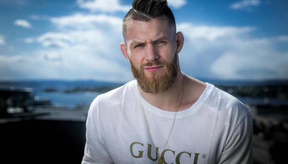 PÅ VENT: Emil Meek måtte finne seg i å stille i operasjonskø. MMA-karrieren fikk en ufrivillig lang stopp. Foto: Bjørn Langsem