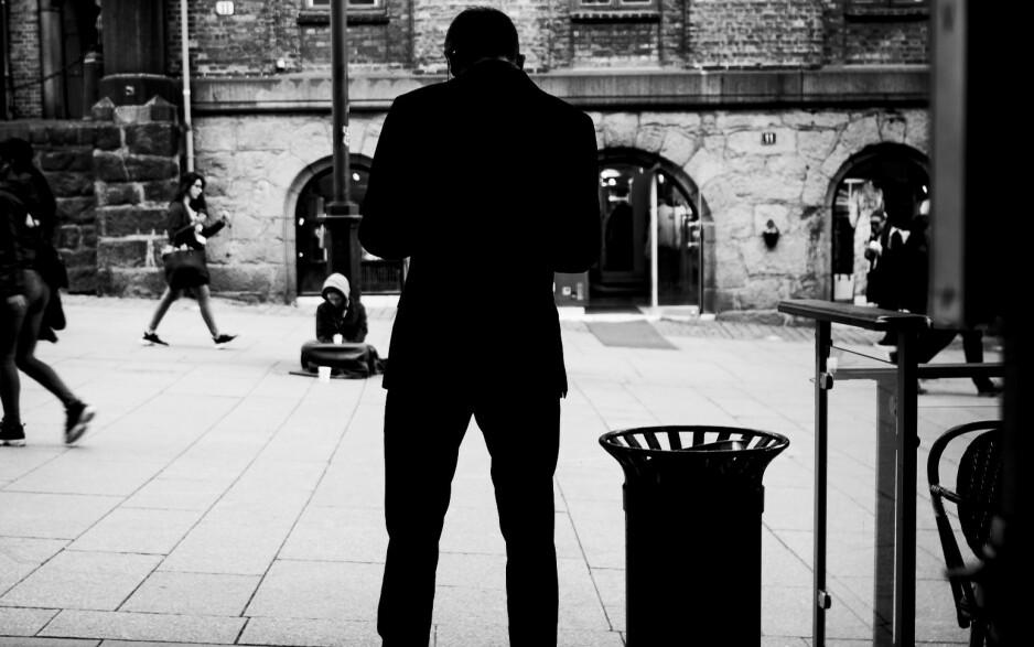 VOND ERFARING: Intervjuobjektene i denne artikkelen - som Alexander på bildet - vil helst glemme det de har opplevd og gå videre i livet, samtidig føler de et ansvar for å fortelle om de alvorlige konsekvensene av uriktige anklager. Foto: Lars Eivind Bones