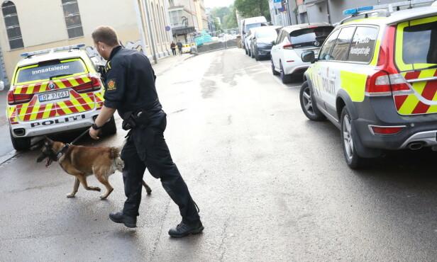 MULIG KNIVHENDELSE: Politiet rykket tirsdag kveld ut etter en mulig knivhendelse på Grünerløkka i Oslo. Foto: Christian Roth Christensen / Dagbladet.