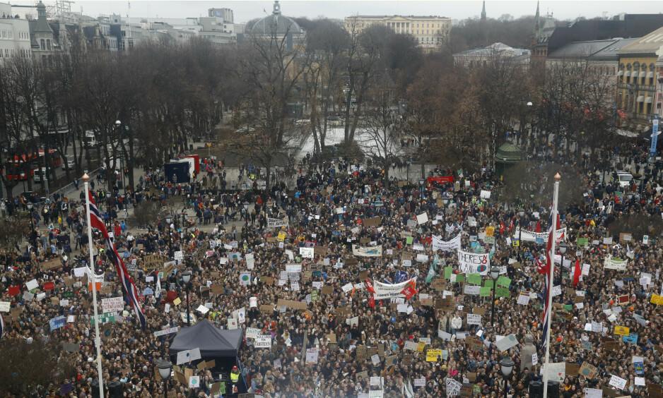 MARS I OSLO: 15.000 barn og ungdom skolestreiket for klimaet i Oslo, med god hjelp fra små og store støttespillere. 40.000 deltok i markeringer landet rundt. I morgen, fredag, ventes enda flere å streike for klimaet. Foto: Tom Hansen / NTB scanpix