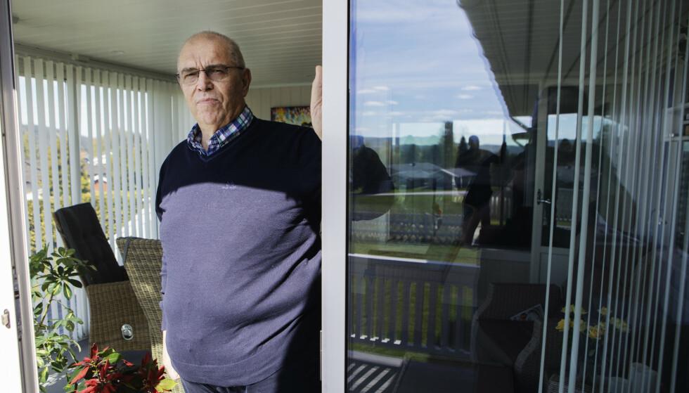 VENTER FORTSATT: Han ble smittet for 25 år siden, men fikk symptomene for seks år siden. Siden da har Torleif Riseng (64) hatt saken sin til behandling i Norsk Pasientskadeerstatning. Blødningene fra magen gjør det vanskelig å planlegge hverdagen, det kan komme uten forvarsel. Sist jul tilbrakte han på sykehus. Foto: Frank Karlsen / Dagbladet