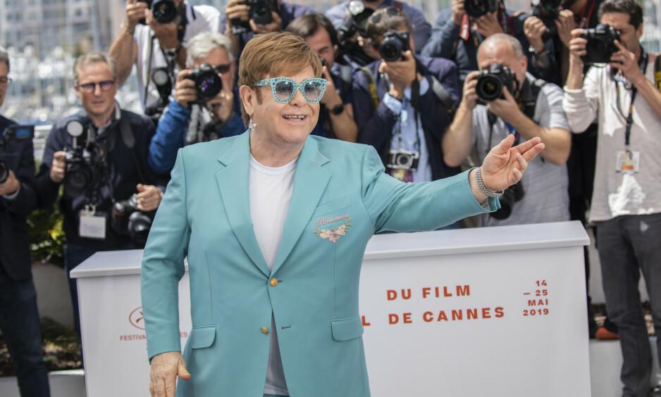 VERDENSSTJERNE: Elton John røper nå hvordan han mistet jomfrudommen - noe som også portretteres i storfilmen «Rocketman», som har premiere i Norge neste uke. Her er 72-åringen på premieren for filmen under filmfestivalen i Cannes 16. mai. Foto: NTB Scanpix