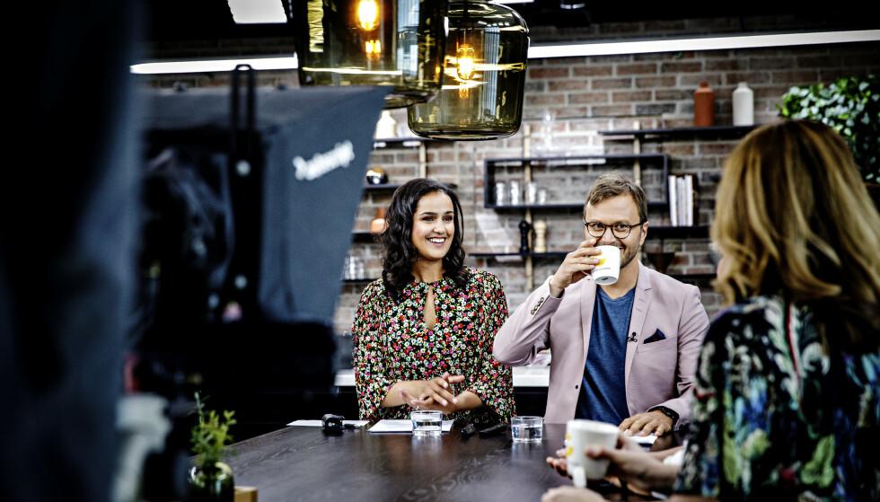 I STUDIO: Programlederne Desta Marie Beeder og Espen Fiveland i «God Morgen Norge». Foto: Nina Hansen / Dagbladet