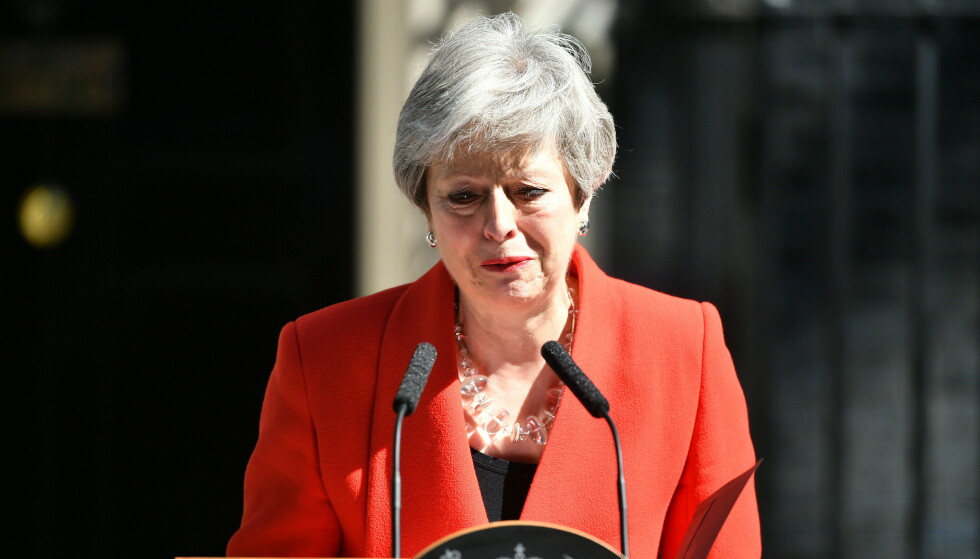 <strong>STEMMEN BRAST:</strong> Da May beskrev hvordan statsminister jobben har vært en ære for henne å ha, brast stemmen hennes. Foto: Sipa / NTB Scanpix
