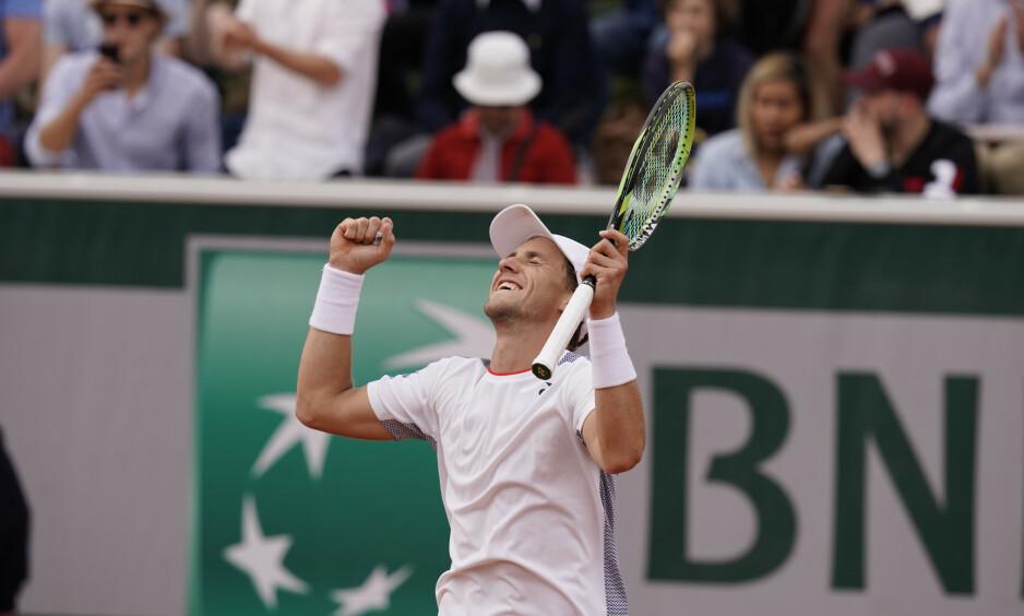 BRAGD: Casper Ruud er videre til tredje runde i Paris. Der møter han Roger Federer. Foto: Erik Johansen / NTB scanpix