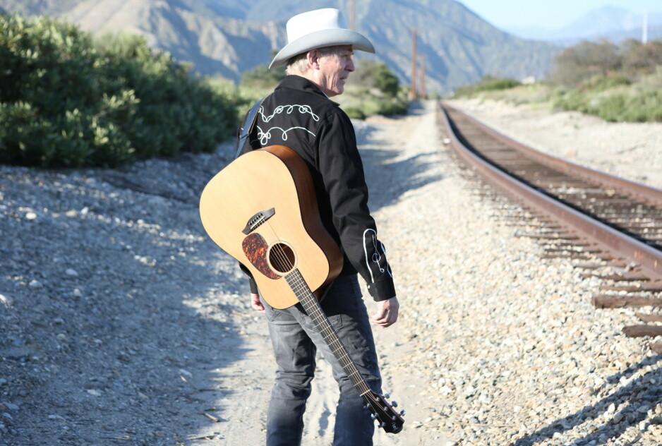 GODE HJELPERE: Doug Seegers har mange gode støttespillere på det svært personlige albumet «A Story I Got To Tell», men det er han sjøl som skinner aller mest, mener vår anmelder.