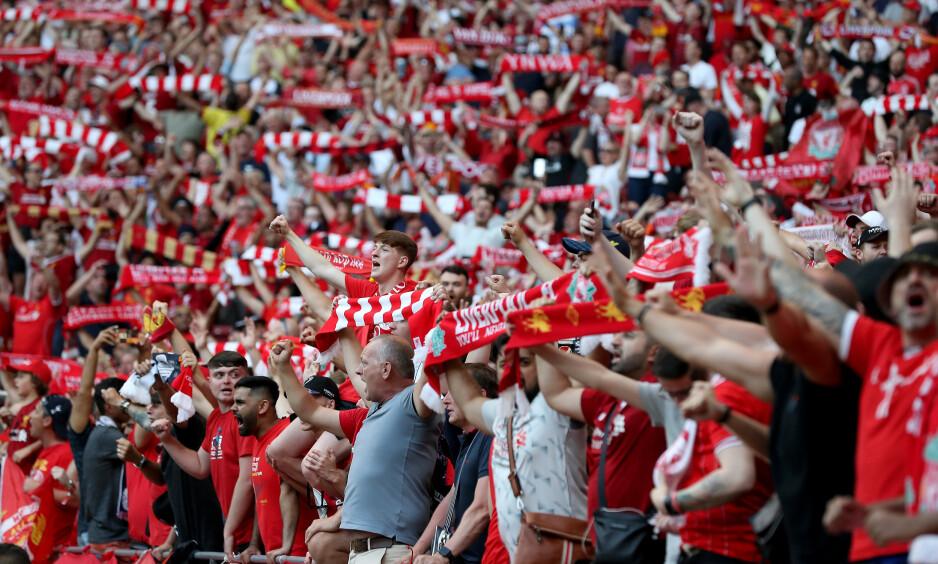 LIVLIG GJENG: Liverpool-fansen lagde liv på Wanda Metropolitano i Madrid i går kveld. Foto: NTB Scanpix