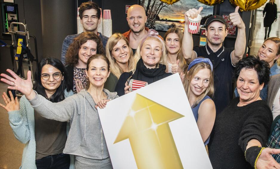 FEIRER: Redaksjonen i Dagbladet Pluss jubler for at antall abonnenter fortsetter å øke. Foto: Hans Arne Vedlog