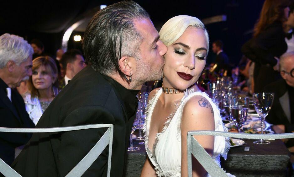 BRUDD: I februar kunne Lady Gagas representanter bekrefte at forlovelsen mellom henne og Christian Carino var brutt. Nå kommenterer artisten selv bruddet for aller første gang. Foto: NTB Scanpix