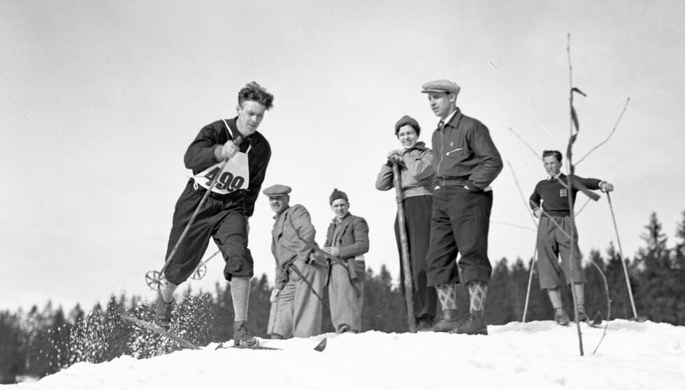 NY NORGESHISTORIE: Idrett vies stor plass i Finn Olstads norgeshistorie. Her er kombinertløper Hans Vinjarengen (20/8-1905 - 1/2-1984) i Holmenkollen i 1938. Foto: NTB SCANPIX