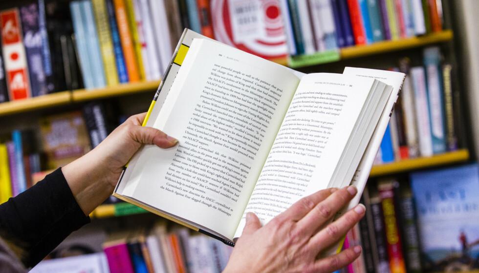 BOKPRISER: Hvor ofte står du over å kjøpe en bok på norsk fordi prisen er for høy? Foto: Scanpix