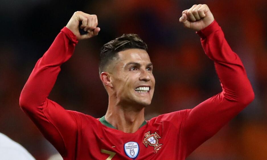 TOK NYTT TROFE: Cristiano Ronaldo. Foto: Carl Recine / Reuters / NTB Scanpix
