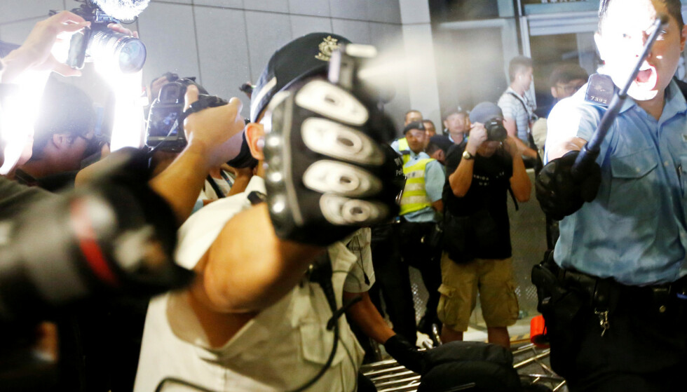 Kina og Hongkong nekter å gi seg
