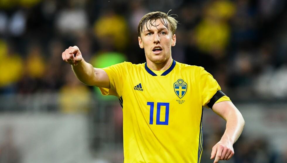 IRRITERT: Janne Andersson frykter at startoppstillingen mot Spania er avslørt. Den svenske stjernespilleren Emil Forsberg og hans lagkamerater er for øyeblikket på andreplass i gruppa. Foto: NTB scanpix