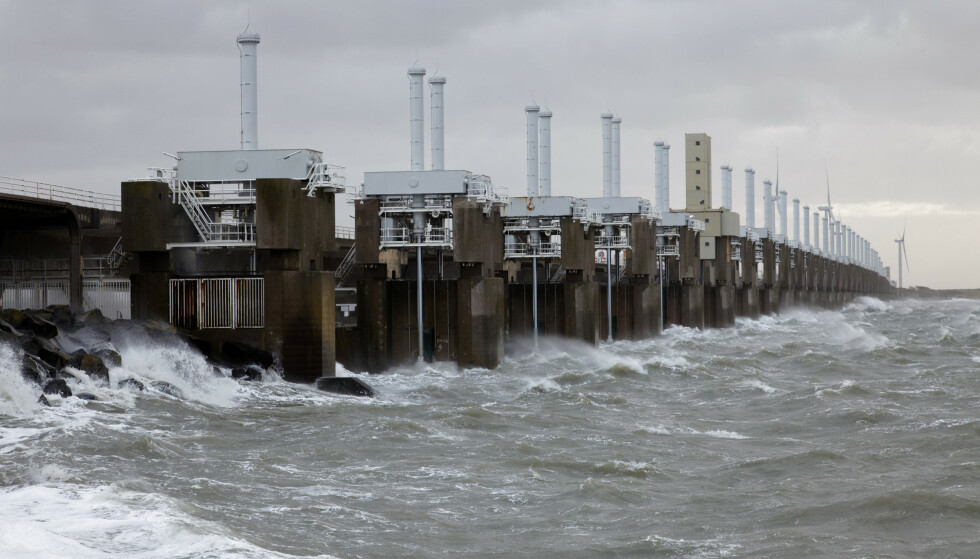 Flomvern: For å hindre at havet skal oversvømme store landområder, har Nederland bygget flomvern. Foto: Shutterstock.