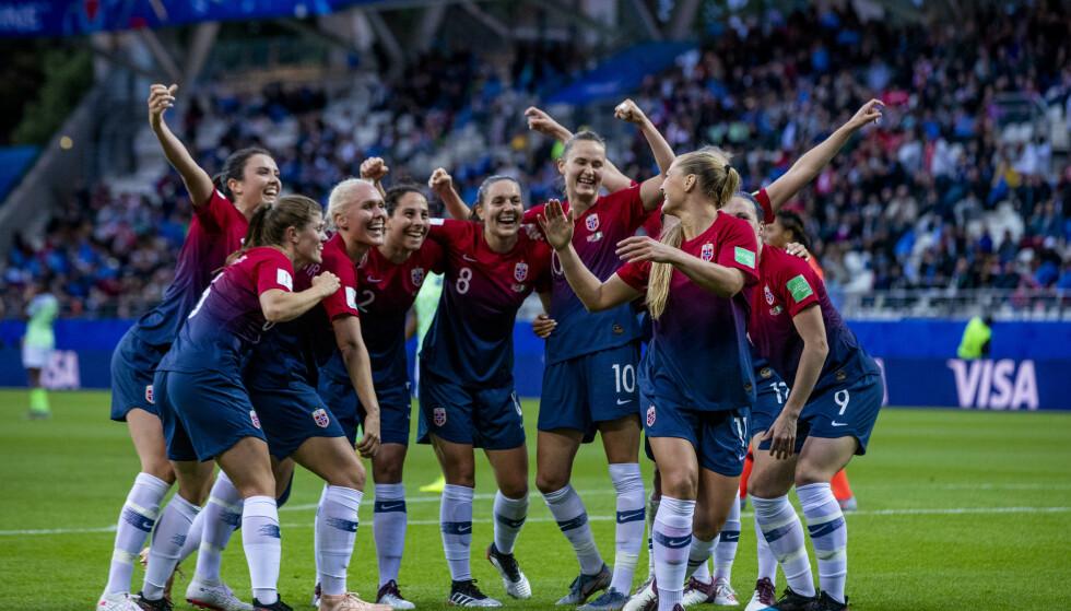 FOTBALLFEST: Fotball-VM for kvinner er i gang for fullt, men ikke alle har fått sett alle kamper gratis. Foto: Stian Lysberg Solum / NTB Scanpix