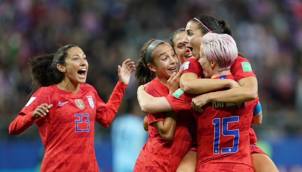 REKORDSEIER: USA slo Thailand hele 13-0 i VM. Foto: Lionel BONAVENTURE / AFP / NTB Scanpix