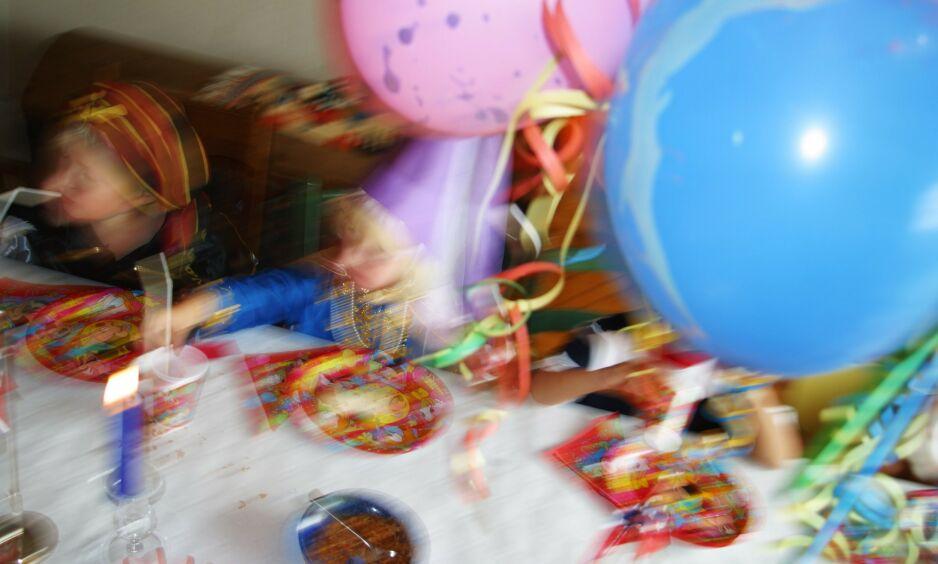 SKREKK OG GRU? Ballonger har en lei tendens til å sprekke. Ta høyde for skuddredde unger som gråter når klassens versting går inn for å smelle av alle sammen, skriver kronikkforfatteren i denne bruksanvisningen for arrangører av barneselskaper. Foto: Foto: Espen Bratlie / Samfoto / NTB Scanpix
