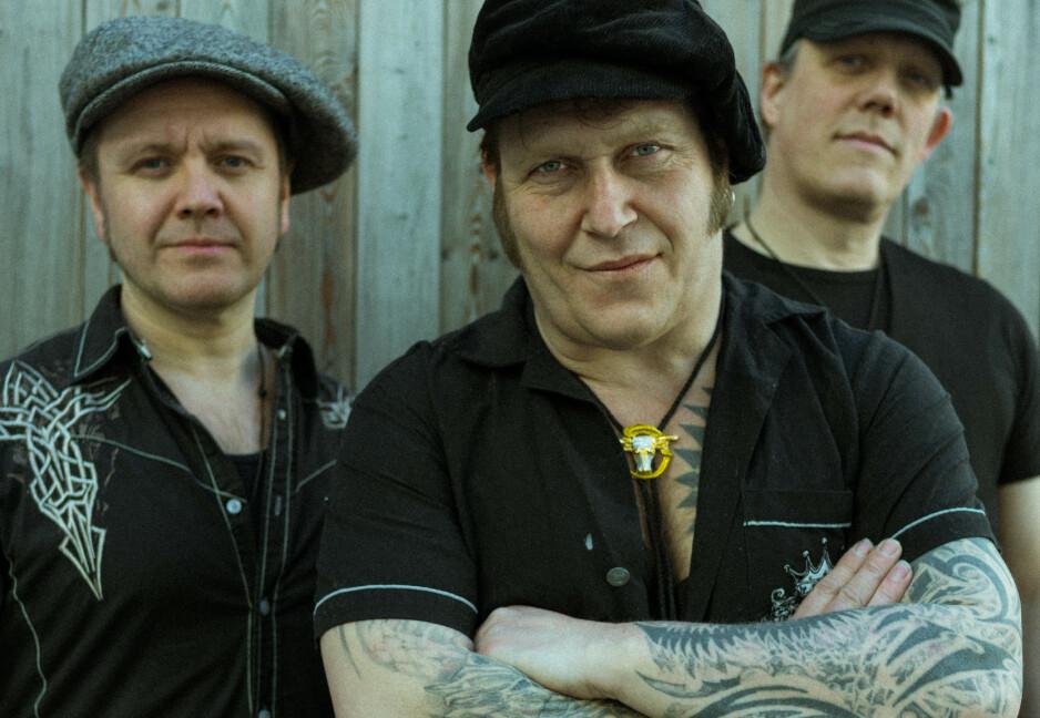BLUES-BRØDRE: Daniel Eriksen (f.v.), Vidar Busk og Stig Sjøstrøm utgjør trioen Back Porch Republic. Foto: Nicolay Woldsdal