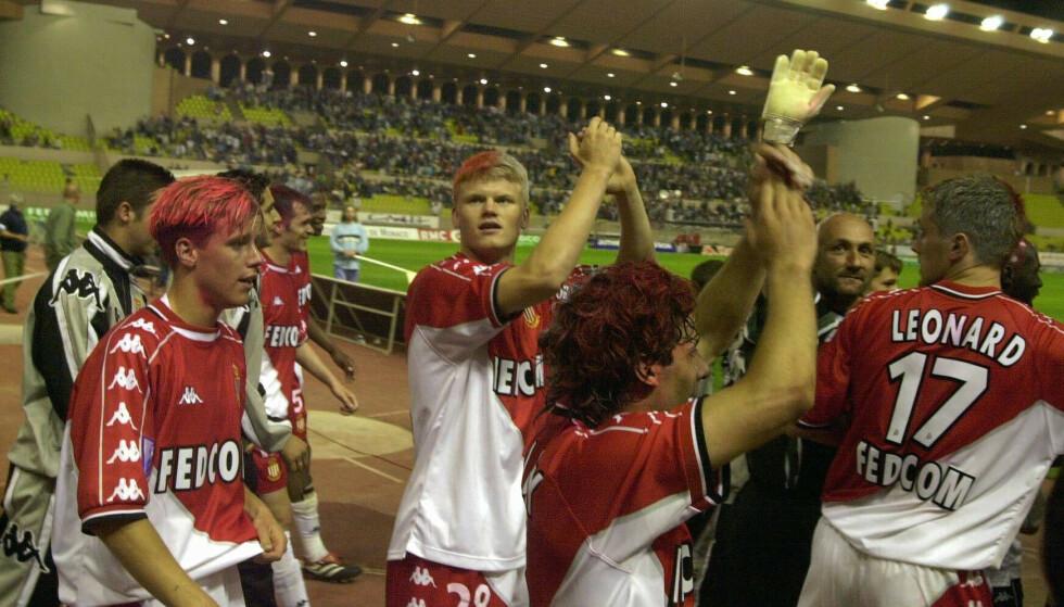 Ung: John Arne Riise (i midten) slo tidlig gjennom som superstjerne i fotballen. Foto; Per Løchen / SCANPIX