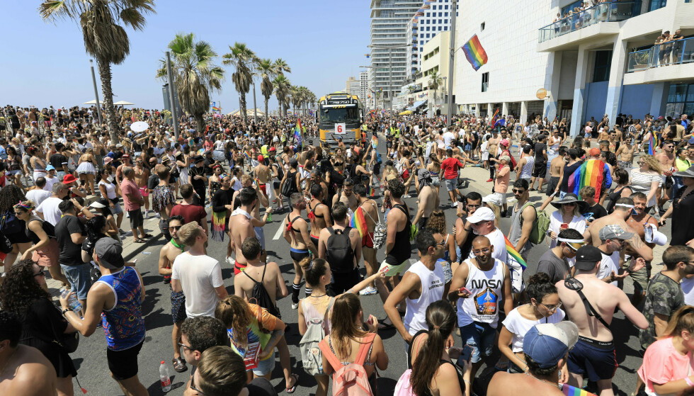 Den årlige Gay Pride-paraden gikk av stabelen i Tel Aviv fredag. Foto: Tsafrir Abayov / AP / NTB scanpix