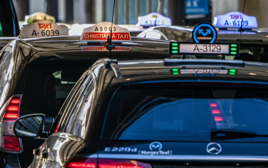 IKKE HOBBY: Det å frakte passasjerer bør være et yrke, ikke en hobby, skriver artikkelforfatteren. Foto: Heiko Junge / NTB Scanpix