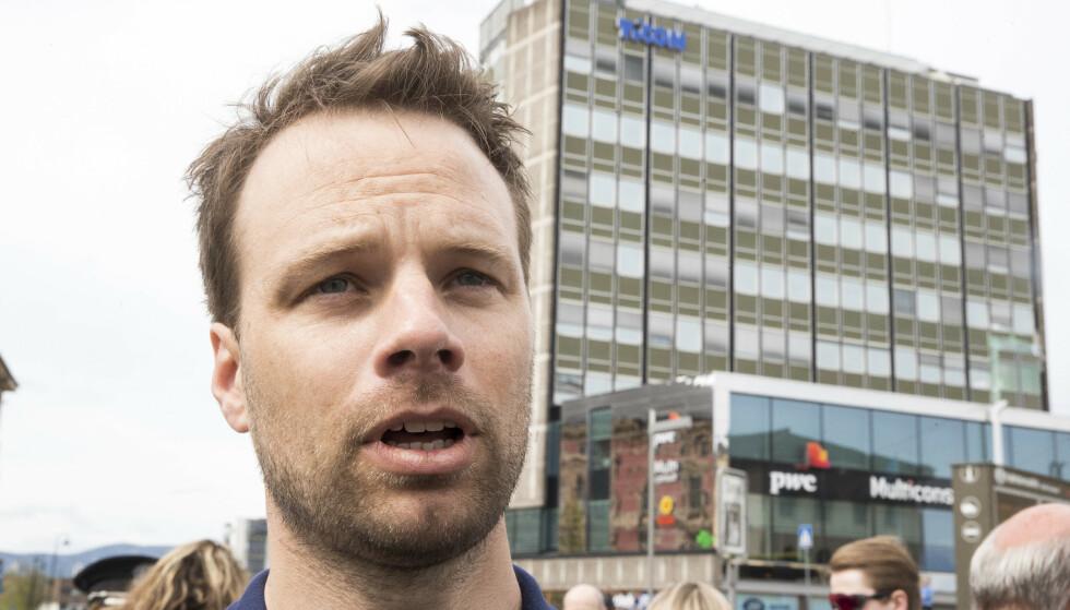 ADVARER: Jon Helgheim (Frp) advarer mot politikere lar seg påvirke i innvandringspolitikken av familier som er godt likt i nærmiljøet. Foto: Terje Pedersen / NTB scanpix