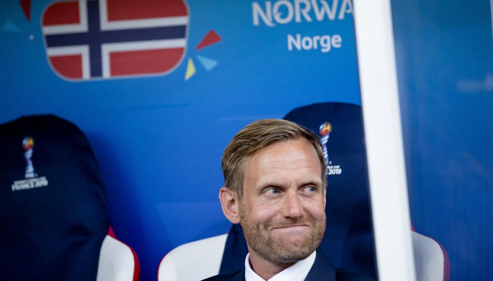 TILSYNELATENDE UBEKYMRET: Martin Sjögren smilte lurt til slutt. Det viktigste for han er seieren. Foto: NTB/Scanpix