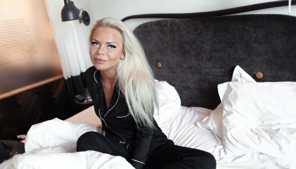 TØFF AVGJØRELSE: Toppblogger Julia Nyland kunne tirsdag fortelle leserne sine at hun var gravid. Allerede på onsdag skal fosteret fjernes. Dét gruer hun seg til. Foto: Privat