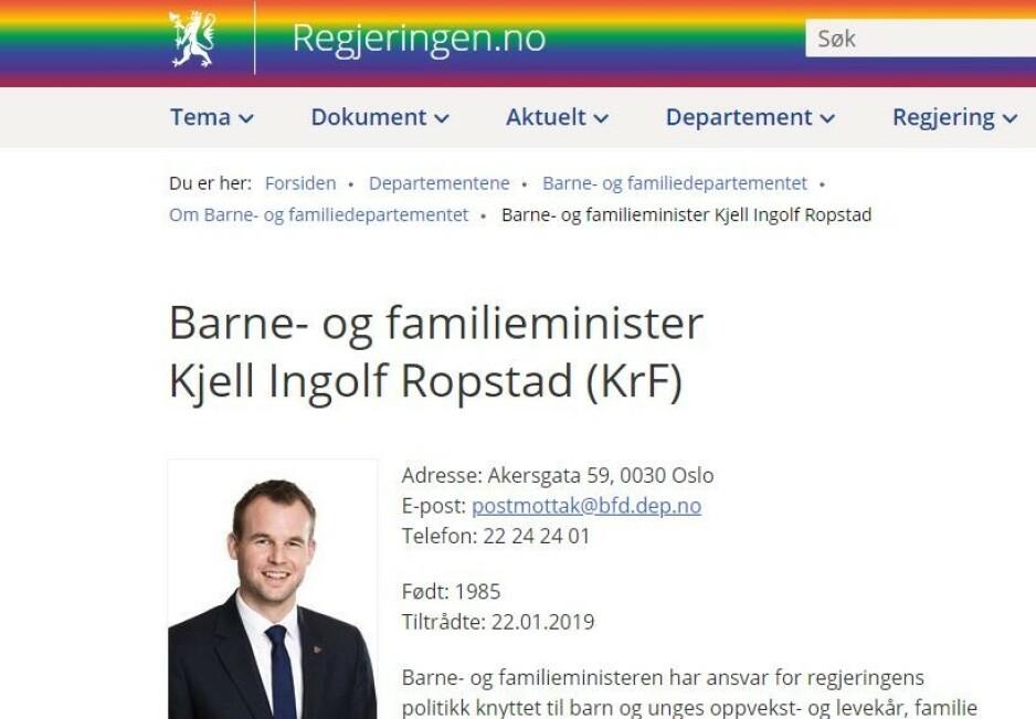 RAMMET INN: Også Barne- og familieminister Kjell Ingolf Ropstads hjemmesider fikk regnbueflagg da regjeringen.no skiftet banner for å markere støtte til Pride. Foto: Skjermdump