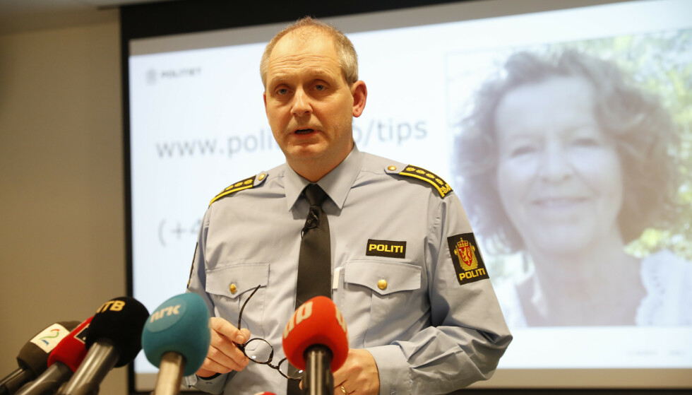 Politiinspektør Tommy Brøske informerer pressen under en av pressekonferansene politiet har hatt i forbindelse med forsvinningssaken. Foto: Terje Bendiksby / NTB scanpix