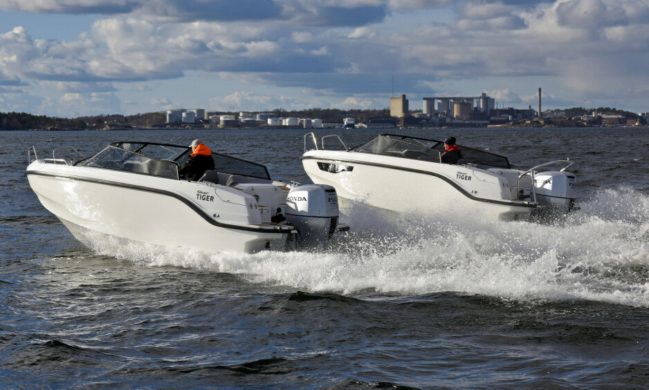 TO VERSJONER: Silver Tiger har to modeller basert på samme skrog; en daycruiser (t.h) og en bowrider. Foto: Atle Knutsen og Lars-Åke Redéen