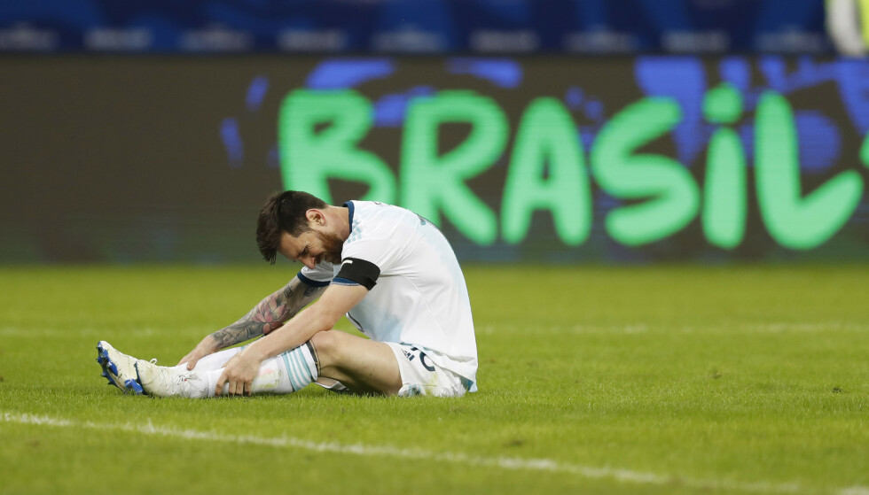 UAVGJORT: Argentina og Lionel Messi får ikke lagspillet til å stemme i Copa America. I perioder rundspilles de av antatt dårligere lag. Foto: Natasja Pisarenko / AP / NTB scanpix